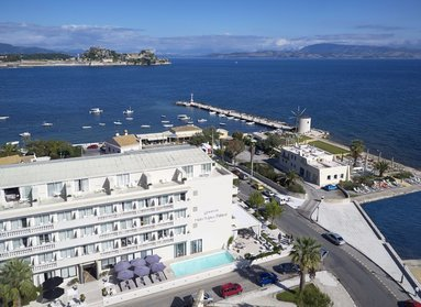 Mayor Mon Repos Palace Art Hotel rooms offer comfort and luxury through classic and minimal styles and touches. Most of them offer panoramic views to the Ionian Sea or Corfu's Fort for you to enjoy.